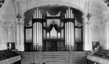 Auckland Town Hall interior, with pipe organ