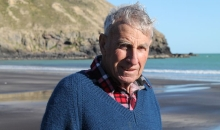 80 year old farmer Ted Hutchinson at Magnet Bay