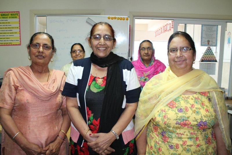 manurewa single girls Retirees, both women and men, aged 50+ can meet new people, teach and learn new skills we offer a space for baby boomers to work on individual or community projects up to four days a week at the trust's hq.