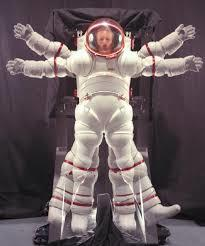 Full nasa spacesuit %281%29