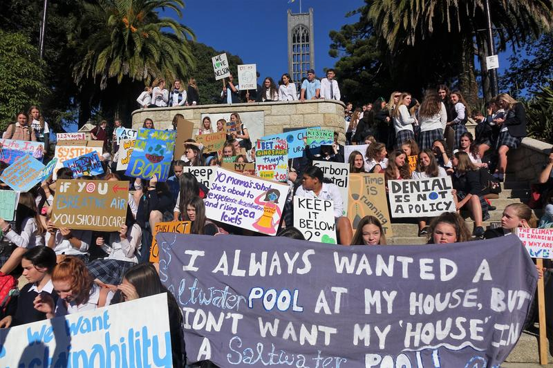 Youths rally in climate protest before European Union vote