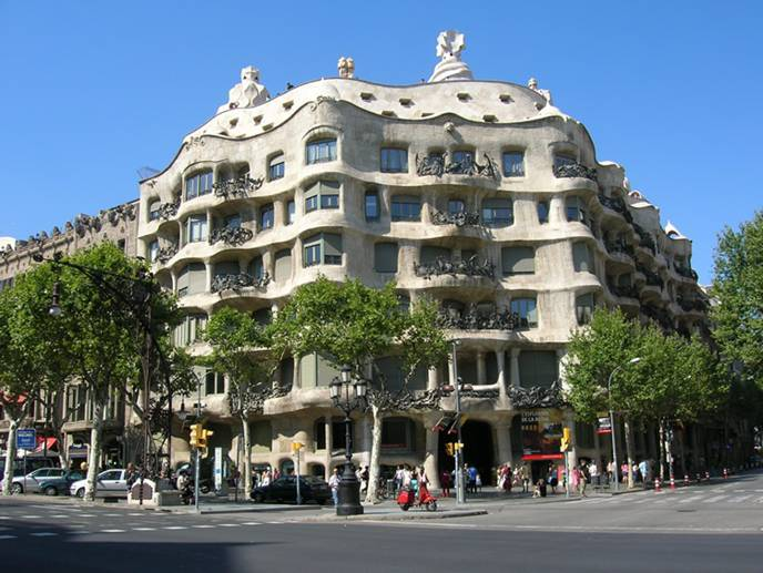 Architecture modernisme and modernism a gallery from for Barcelone architecture contemporaine