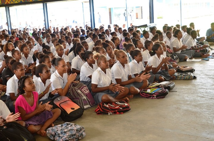 Students of KGVI during the RAMSI drawdown outreach.