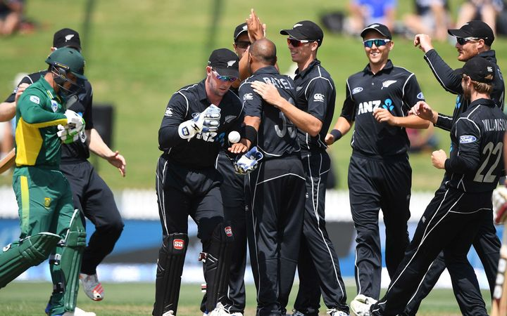 Jeetan Patel and the Black Caps celebrate the wicket of South African  opener Quinton de Kock 31e889b62