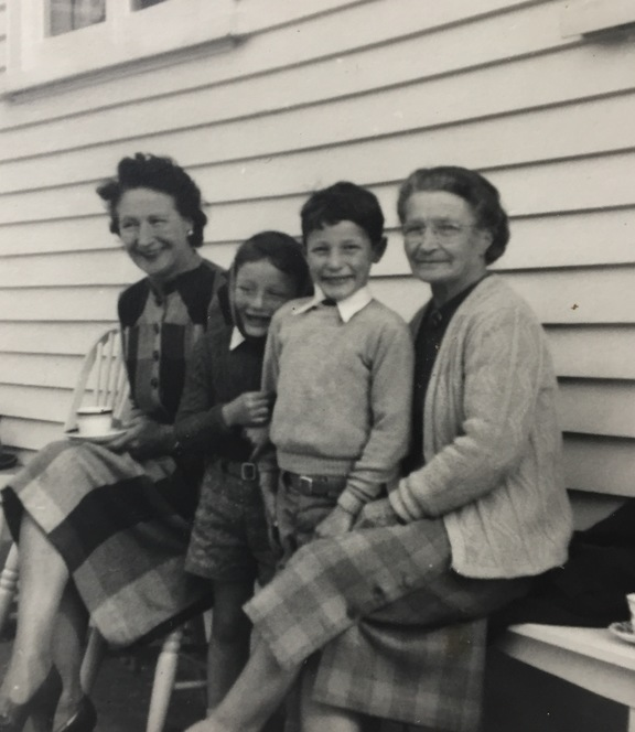 Peter Wells as a small child, second from left, with his older brother and aunt, left, grandmother, right.