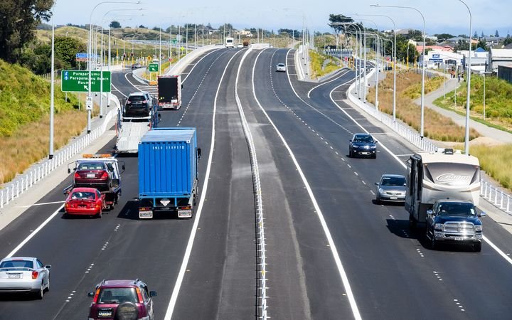 NZTA says SH1 repairs on Kāpiti Expressway postponed | RNZ News