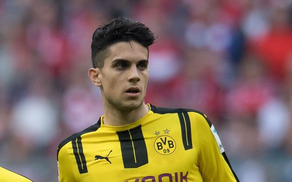 Marc Bartra celebrate the 2:1 goal during the German Bundesliga soccer match between Bayern Munich and Borussia Dortmund at the Allianz Arena in Munich, Germany, 8 April 2017.