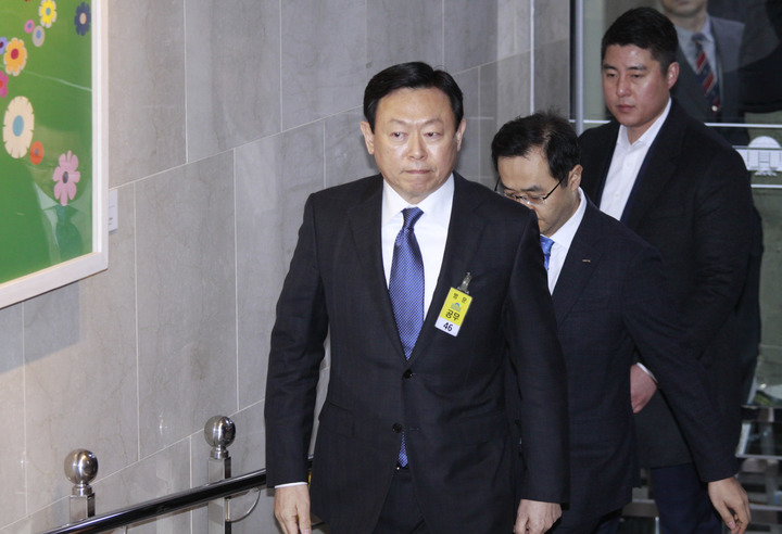 South Korea's corruption scandal ensnares 2nd top boss