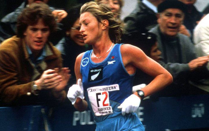 Allison Roe on her way to winning the New York Marathon in 1981.