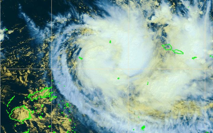 Ella heading north of mainland Fiji, Futuna in lockdown