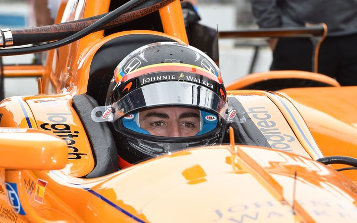 Alonso sets October deadline for McLaren