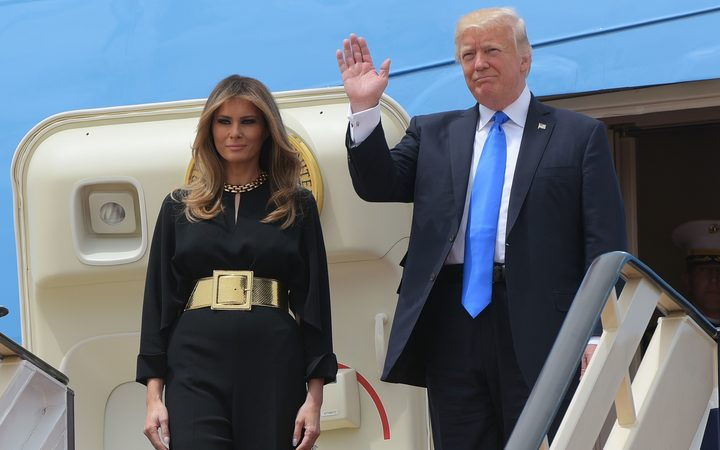 Melania Trump forgoes head scarf in Saudi Arabia