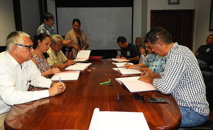 Protocol signed to end French Polynesia airport firefighters strike
