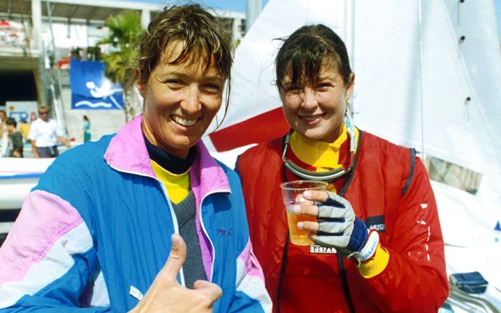Leslie Egnot (right) with Jan Shearer at the Barcelona Olympic Games, 1992.