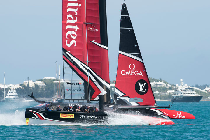 Emirates Team New Zealand in their race five match up against Oracle Team USA on day one of the 35th America's Cup challenger series. Bermuda. 27/5/2017