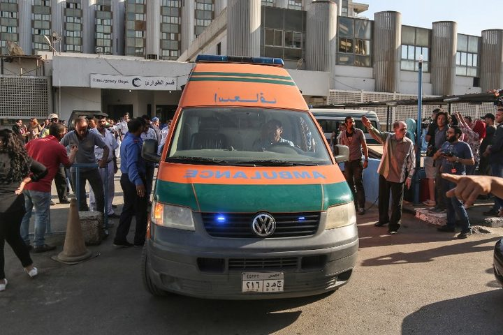 An ambulance transporting wounded Egyptians arrives at a hospital in Cairo's northern suburb of Shubra on May 26, 2017, following an attack in which 28 Coptic pilgirms were gunned down following a visit to a monastery.