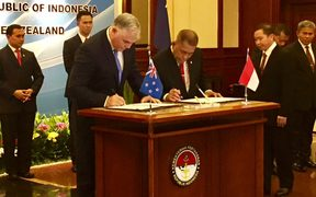 Defence Minister Mark Mitchell and his Indonesian counterpart, 