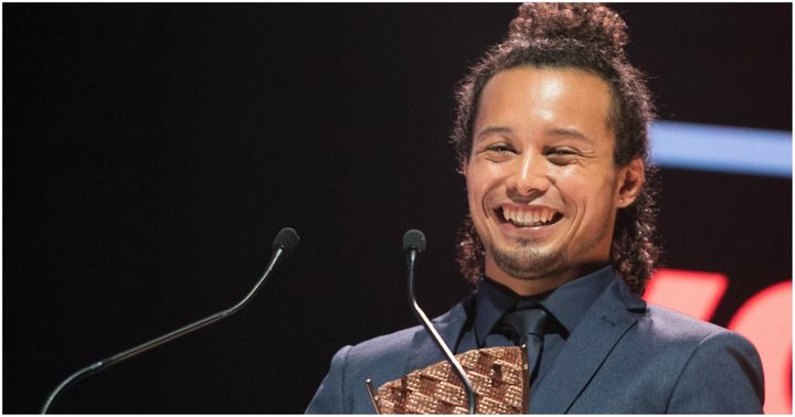 Niuean RnB/Soul/Pop artist Tommy Nee accepting his award for Most Promising Pacific Artist.