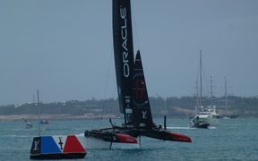 Oracle Team USA wins the first race in the final day of qualifiers at the America's Cup in Bermuda. 03/06/17