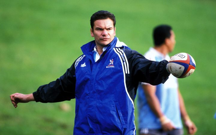 Michael Jones directs training during his time in charge of Manu Samoa.