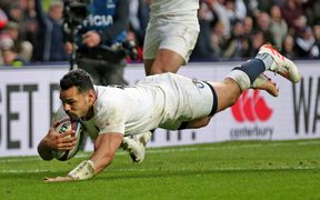 Ben Te'o scores for England.