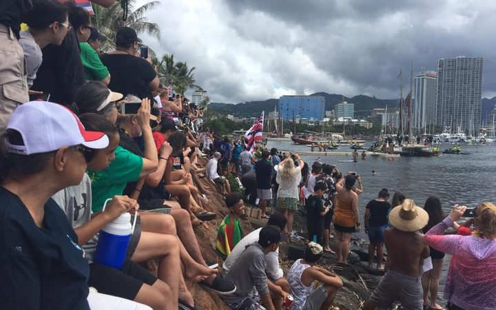Hokulea's return greeted by thousands
