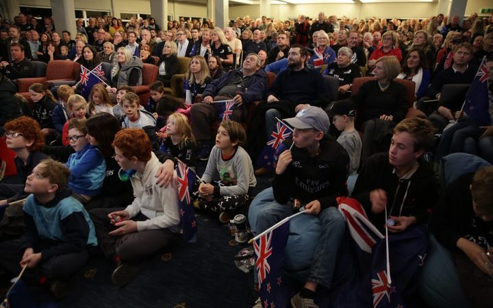 Fans at the Royal New Zealand Yacht Squadron