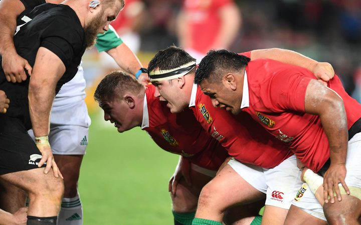 Tadhg Furlong Jamie George and Mako Vunipola pack down against the All Blacks.