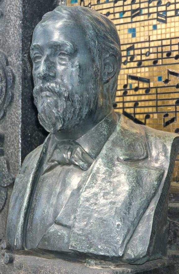 Bust of Borodin at his tomb in Tikhvin Cemetery