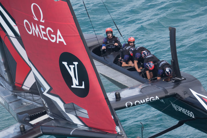 Peter Burling at the helm as Team New Zealand race to victory over Artemis. America's Cup Bermuda 2017.
