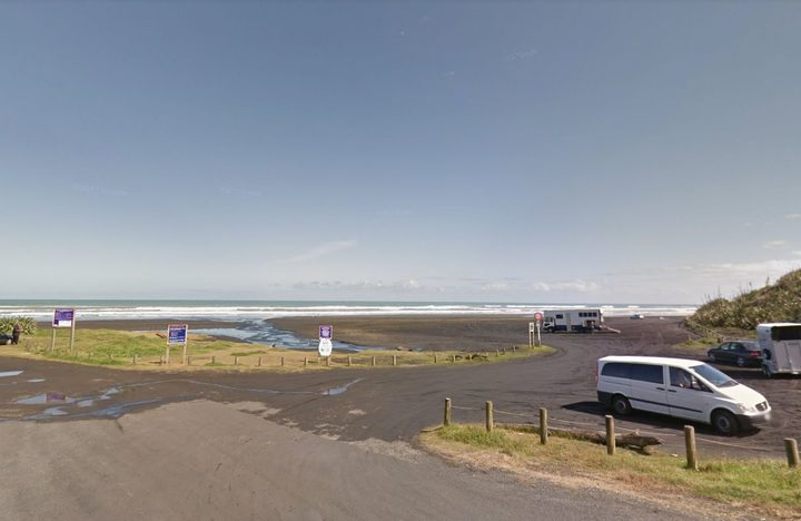 A paraglider is reported to have crashed at Kariotahi Beach in South Auckland (file photo).