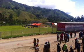 People gathered outside the counting centre in Mendi.