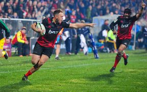 Israel Dagg of the Crusaders scores a try.