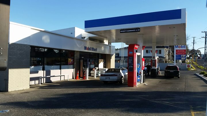 The Mobil service station on Puhinui Road.