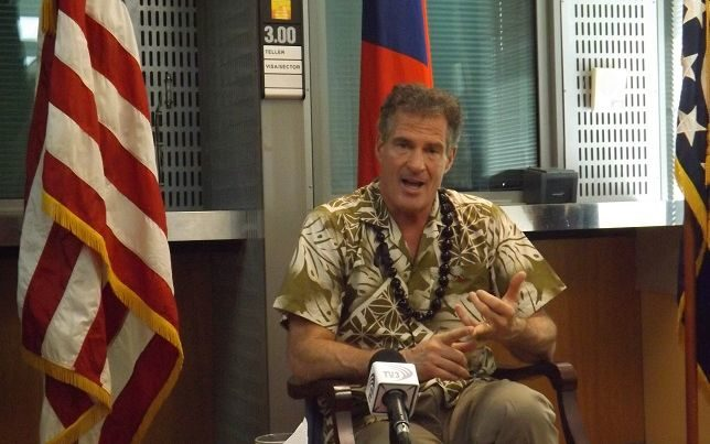 US Ambassador to Samoa, Scott Brown, speaking to reporters in Samoa in July 2017