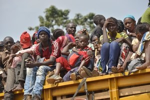 Chadians have been fleeing the CAR city of Bangui by land and air.