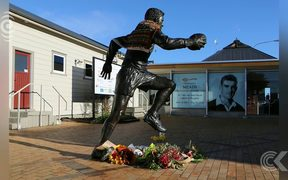 Tributes continue to flow from Sir Colin Meads' hometown: RNZ Checkpoint