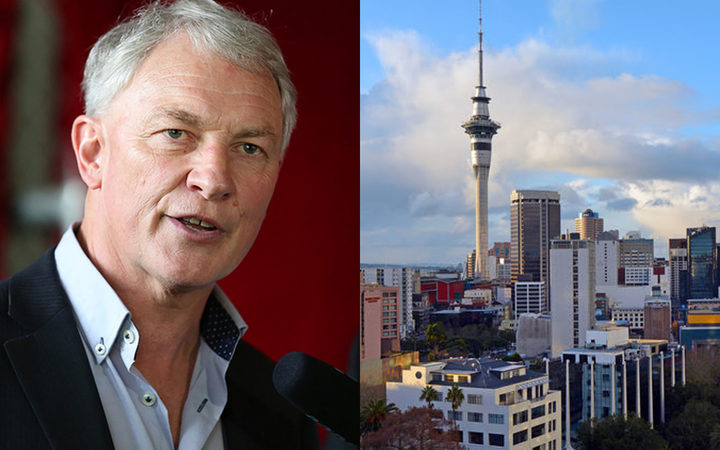 Auckland Mayor Phil Goff, image of Auckland city.