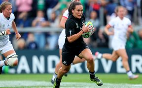Portia Woodman scoring a try for the Black Ferns in the Woman's Rugby World Cup 2017
