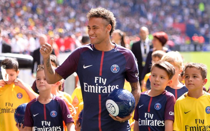 Neymar is introduced to PSG fans.