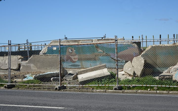 The remains of the Rangitaiki River stopbank on College Rd.
