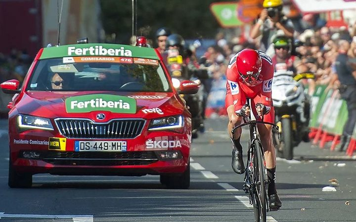 Chris Froome's Vuelta lead cut as Stefan Denifl claims stage 17 win