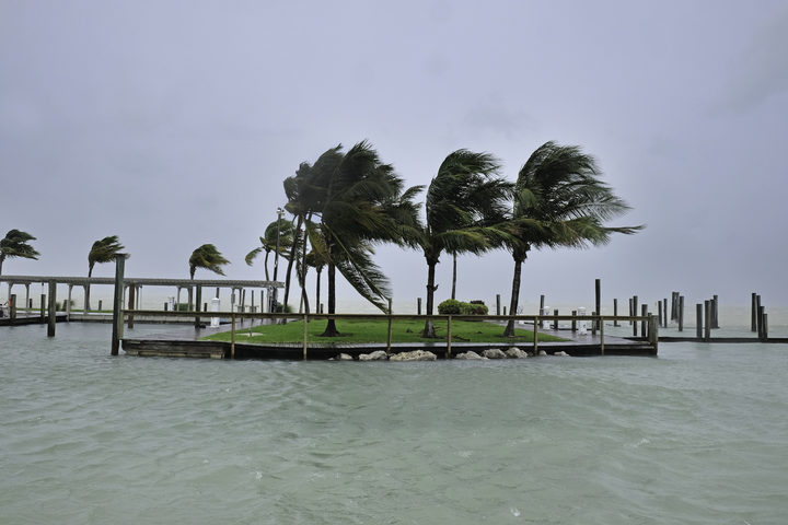 Irma storms towards Florida after battering Bahamas