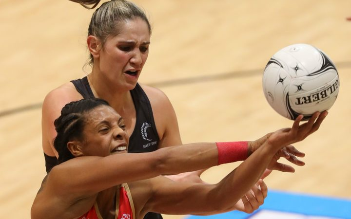 England captain Ama Agbeze and Te Paea Selby-Rickit battle for possession.