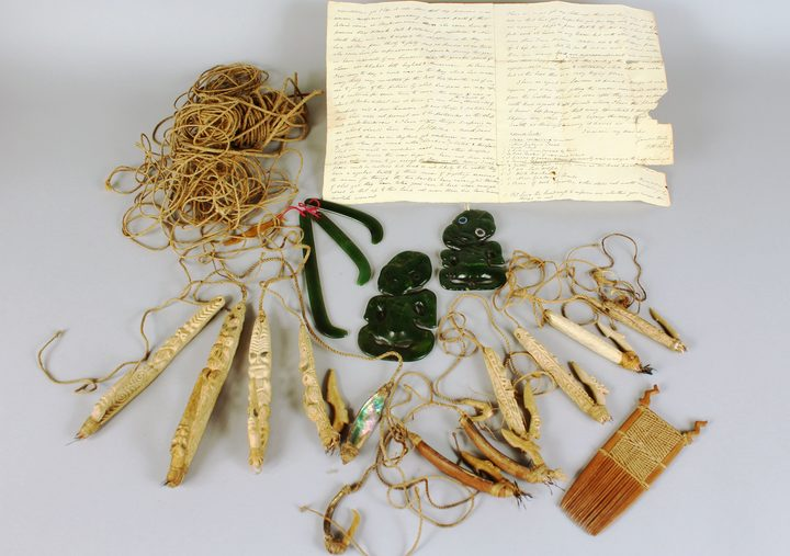 Māori artefacts, which will be auctioned off in England next month, include greenstone heitiki, carved fishhooks and rope made of flax.