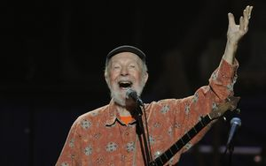 Pete Seeger at a New York concert marking his 90th birthday in 2009.