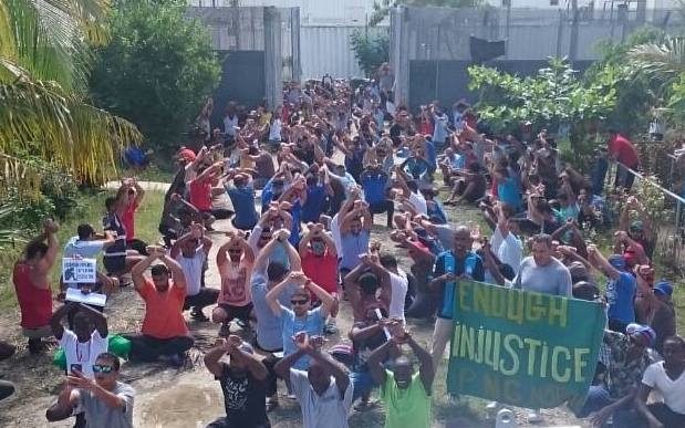 Manus Island detainees plead for PNG exit