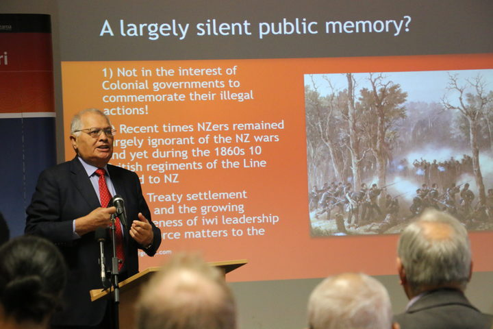 Sir Wira Gardiner discusses the NZ Land Wars at a Te Whare Wānanga o Awanuiārangi.