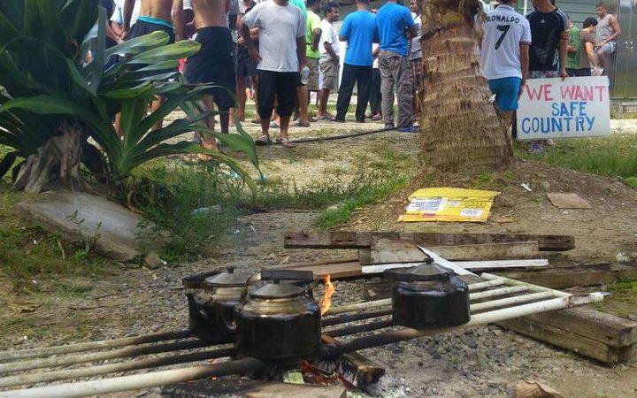 Ardern to raise Manus Island with Turnbull