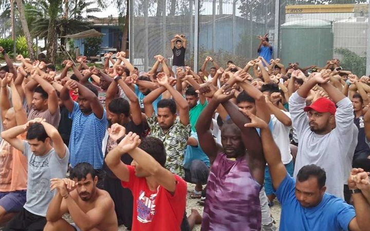 PNG warns it will use force to empty Australia refugee camp